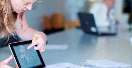 10 Vantagens para Ter Aulas de Inglês na Empresa - Blog TheCamp