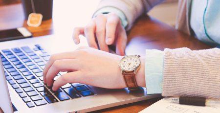 Tradutores de inglês: conheça tudo sobre a carreira - Blog TheCamp